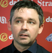 Alan Mac Manus.