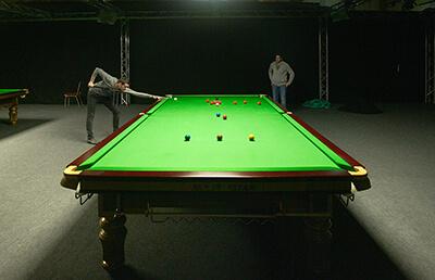 La table de billard de compétition pour le snooker.