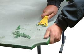 Supprimer les restes de colle du plat de l'ardoirse
