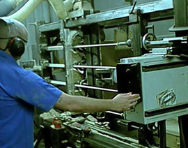 L'étape de tournage lors de la fabrication d'une queue de billard